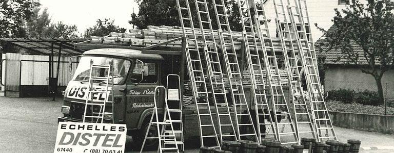 Dès 1977, DISTEL commercialise des escabeaux et échelles sur les places des communes Alsaciennes